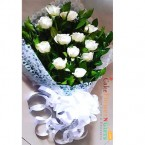 send romantic 12  white roses bouquet delivery