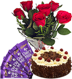 Half Kg Black Forest Cake with Red Roses Bunch n Chocolate