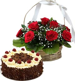 1Kg Black Forest Cake n Red Roses Basket