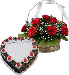 1Kg Heart Shape Black Forest Cake N Red Roses Basket