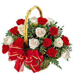 15 White Red Roses Basket Gifts