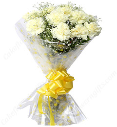 10 white Carnations Bouquets