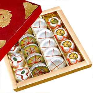 Gift box of 500 gms Assorted Sweets