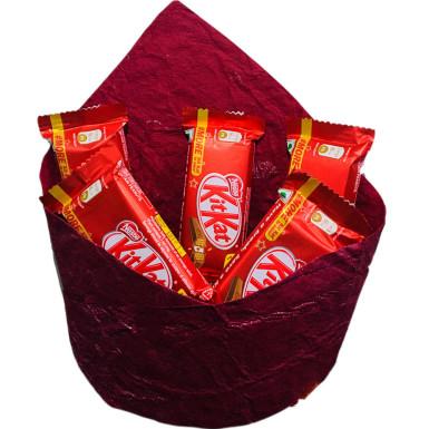 5 Kitkat chocolates