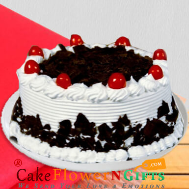 half kg yummy black forest cake