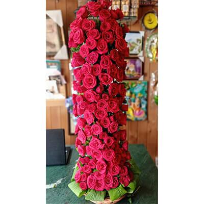 100 red roses premium arrangement